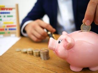 Sparen und Kalkulation für die Baufinanzierung