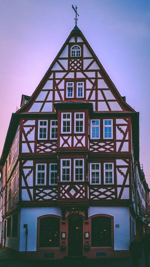 Altes Fachwerkhaus in gutem Zustand