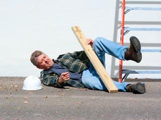 Versicherungen für den Hausbau in Eigenleistung