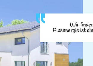 Plusenergiehaus mit Solarzellen auf dem Dach