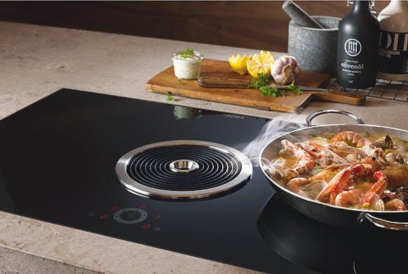 Vielefalt an funktionalen modernen Küchengeräten bei PLANA Küchenland