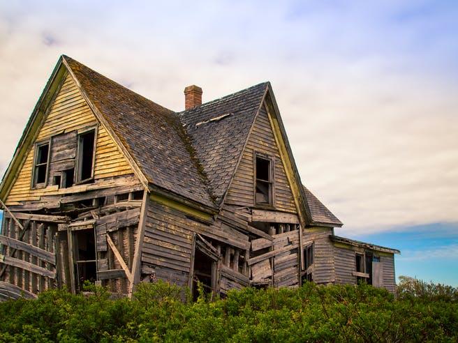 Verfallenes Holzhaus