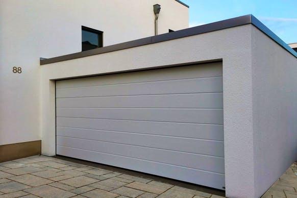 Die Großraumgarage kann an Ihr Haus angepasst und nach Ihren Wünschen errichtet werden
