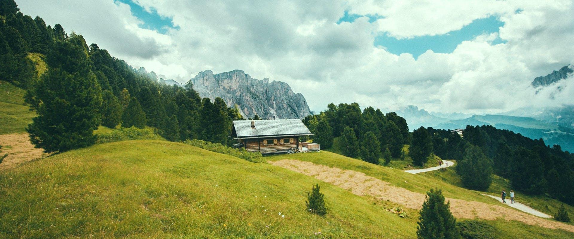 Haus am Hang bauen | Fertighaus.de Ratgeber