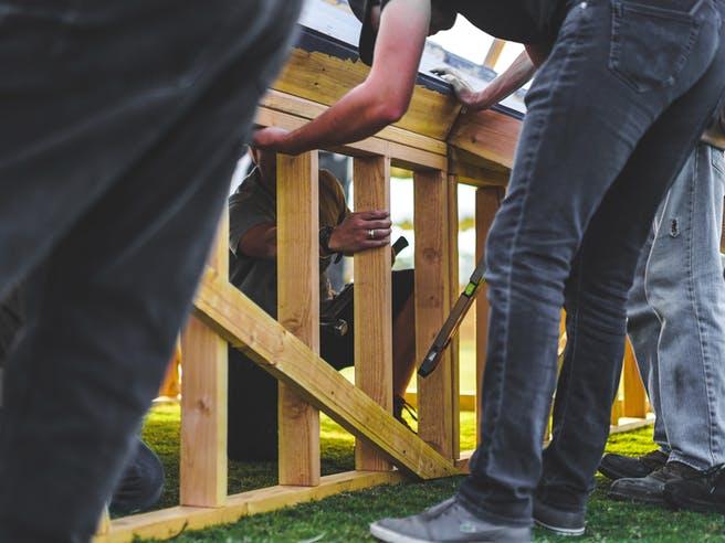 Haus in Eigenleistung mit privaten Helfern bauen