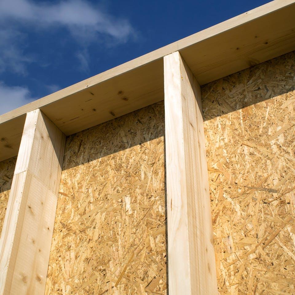 Wand in aus Holz als Ständerbau bzw. Rahmenbau