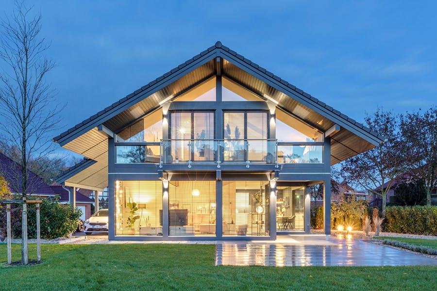 Modernes Fachwerkhaus von Meisterstück-HAUS
