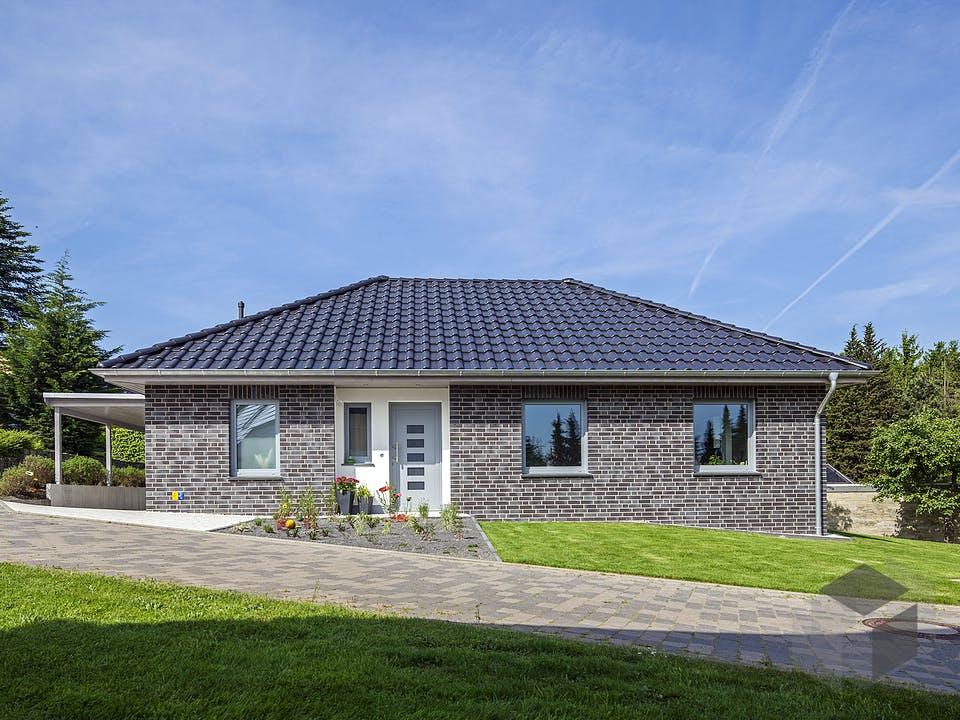 Riedel von AIM Hausbau Außenansicht