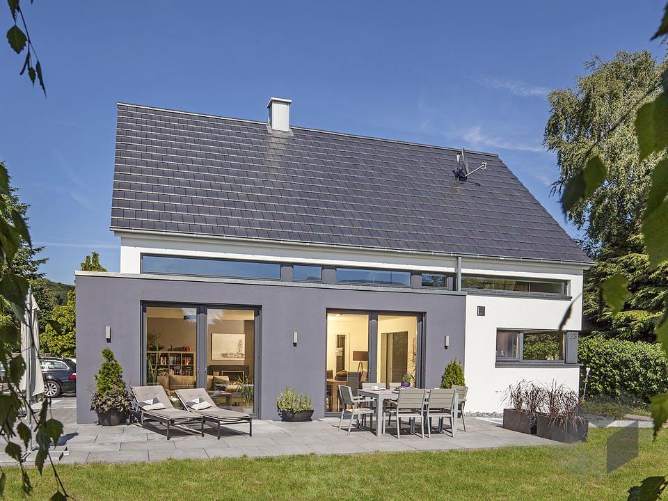 Vettel von AIM Hausbau Außenansicht