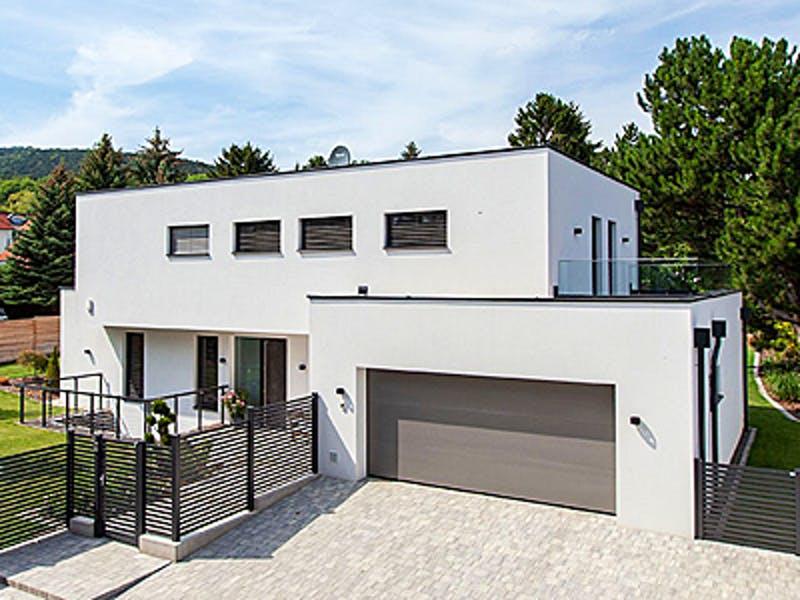 Kubushaus mit Doppelgarage von Aust Wimberger