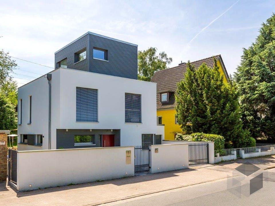 Bauen auf engstem Raum von Meisterstück-HAUS Außenansicht