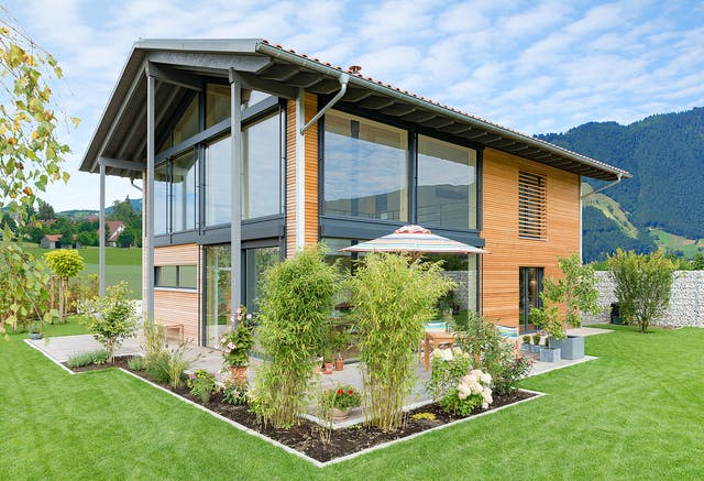 Modernes Holzhaus Fertighaus über 300.000 Euro