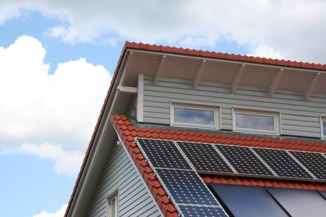 Pultdach mit Solaranlage