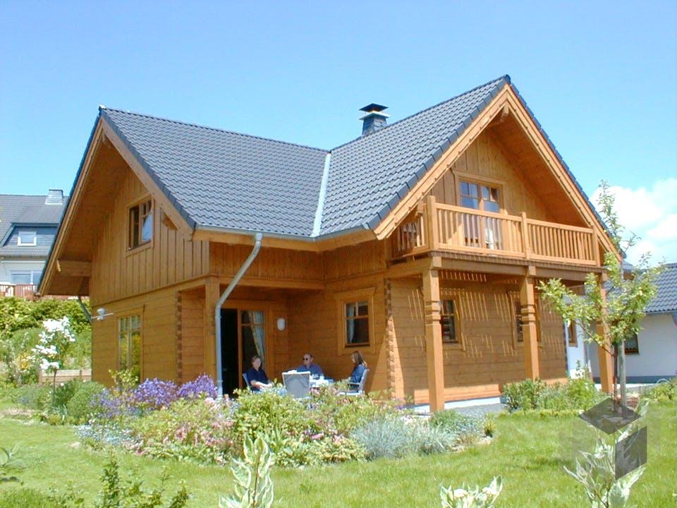 Birresborn von Tirolia Blockhaus Außenansicht