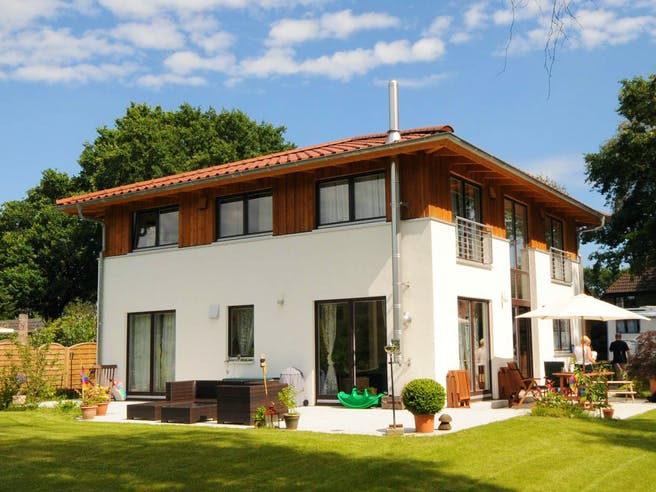 Christine 1 (KfW-Effizienzhaus 40) von Dammann-Haus Außenansicht 1