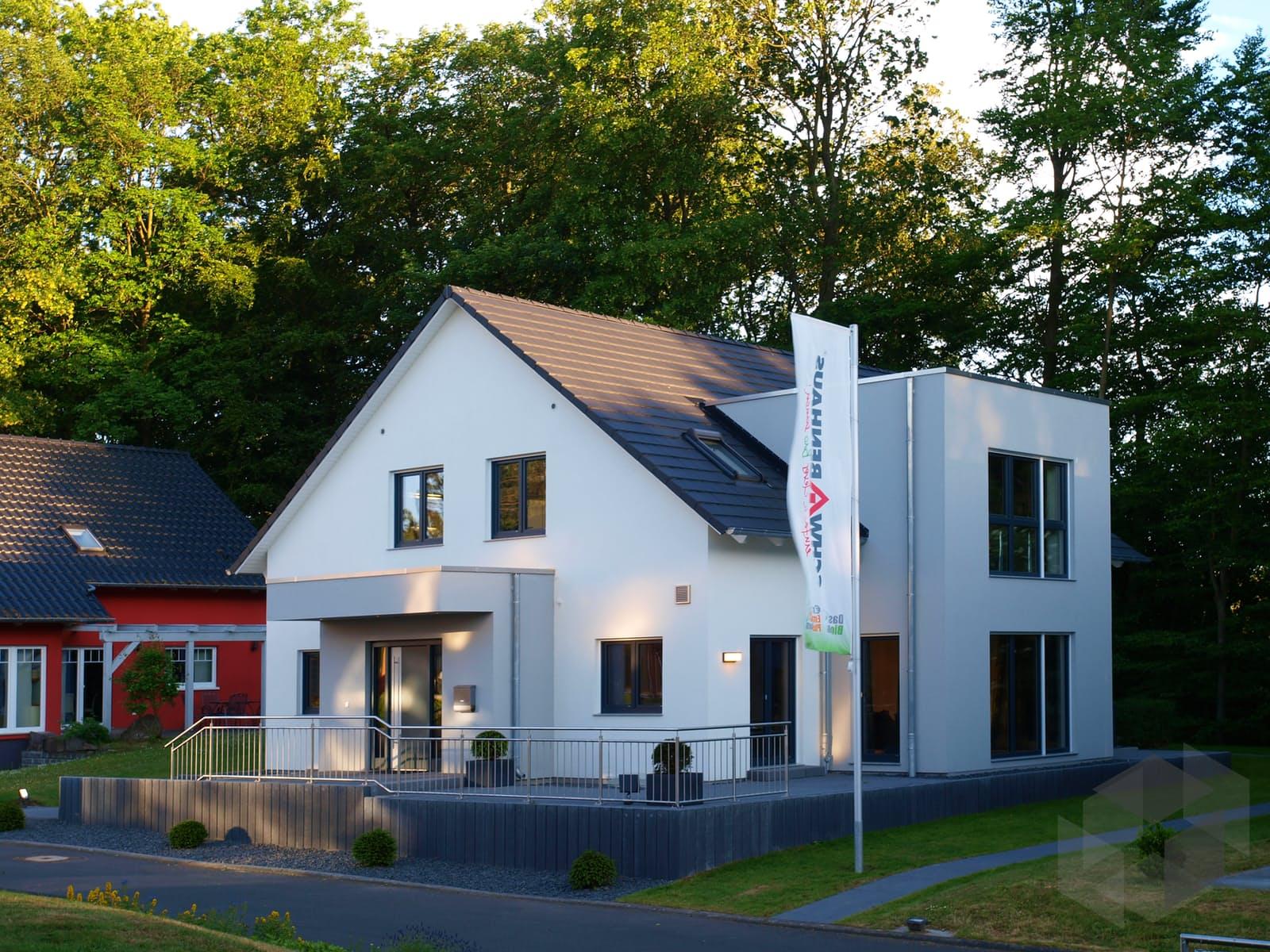 Musterhaus Bad Vilbel (out) von Schwabenhaus   komplette ...