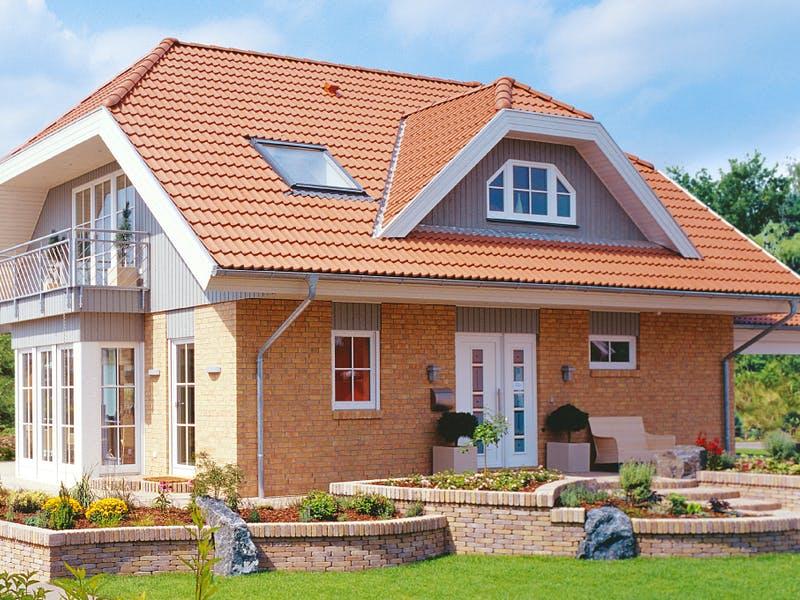 Landhaus mit Krüppelwalmdach von Danhaus