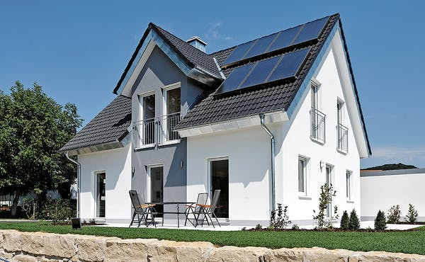 Zwerchdach mit Solaranlage