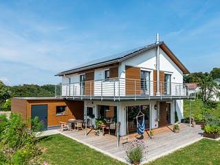 D146 Köstler von Frammelsberger Holzhaus Außenansicht 1