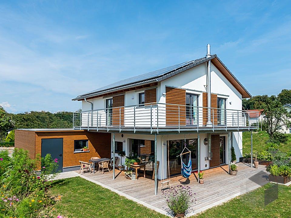 D146 Köstler von Frammelsberger Holzhaus Außenansicht