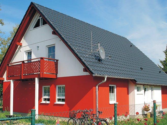 EBH 3 mit Einliegerwohnung von EBH Haus Außenansicht 1