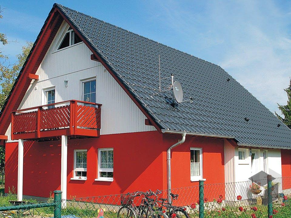 EBH 3 mit Einliegerwohnung von EBH Haus Außenansicht