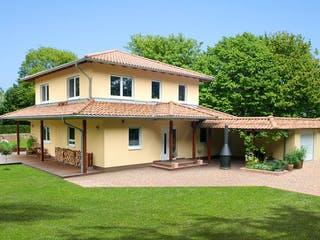 Villa Toscana von EBH Haus Außenansicht 1