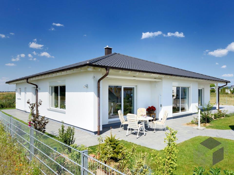 Haus Eminger von Fertighaus WEISS Außenansicht
