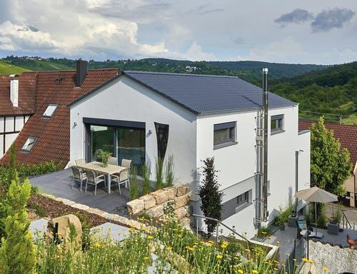 Haus am Hang von Fertighaus Weiss - Wied Exterior 2