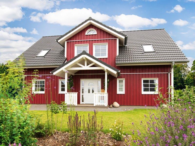 Holzhaus mit roter Fassade von Fjorborg