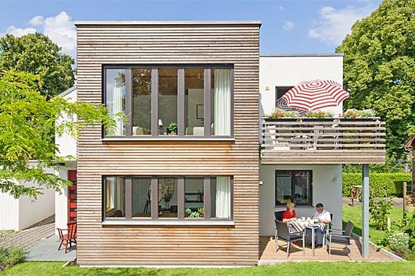 Modernes Kubushaus von Fluck Holzbau