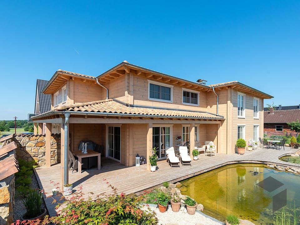 Provence von Fullwood Wohnblockhaus Außenansicht
