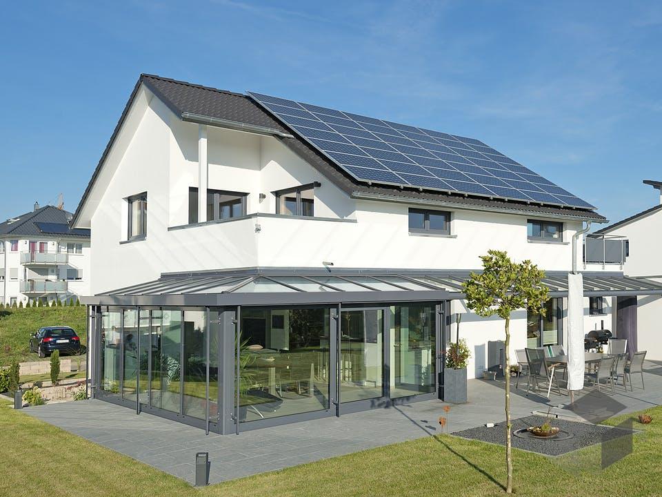SD 196-057 - Großzügiges Wohnhaus mit Wintergarten von Gapp Holzbau Außenansicht