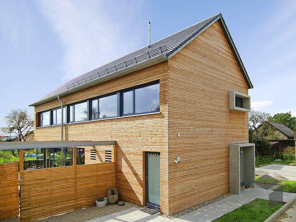 SD 200-118 - Landhaus für schmale Grundstücke von Gapp Holzbau Außenansicht