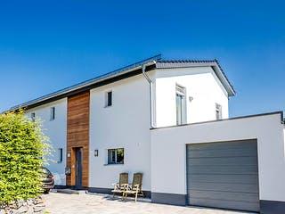 Passivhaus mit familiären Touch von Hausbau Heggemann Außenansicht 1