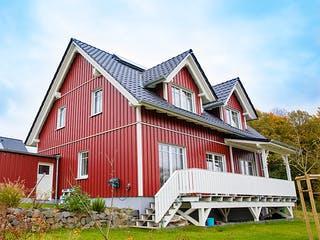 Rotes Schwedenhaus in Ostercappeln von Hausbau Heggemann Außenansicht 1