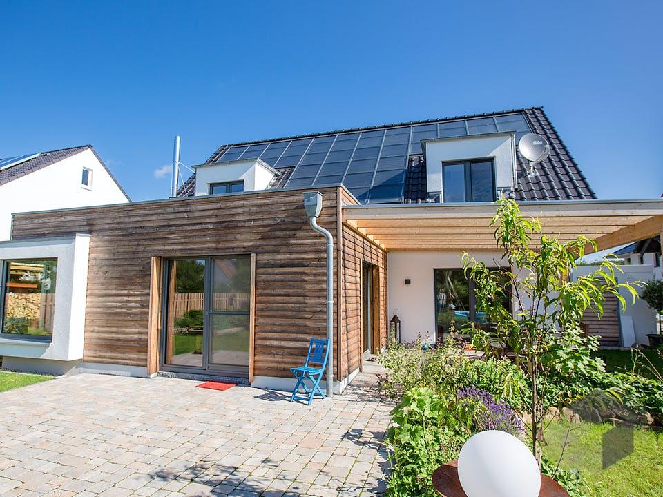 Sonnenhaus in Osnabrück von Hausbau Heggemann Außenansicht