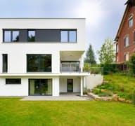 Hirsch exterior 1