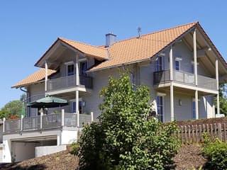 B167 von Frammelsberger Holzhaus Außenansicht 1