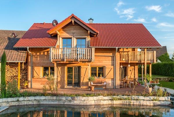 Nachhaltiges Holzhaus in Blockbauweise