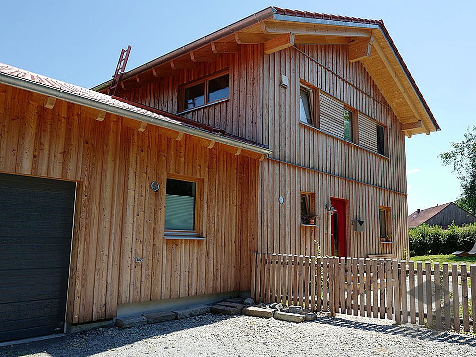 Holzland von Huber Holzbau Außenansicht