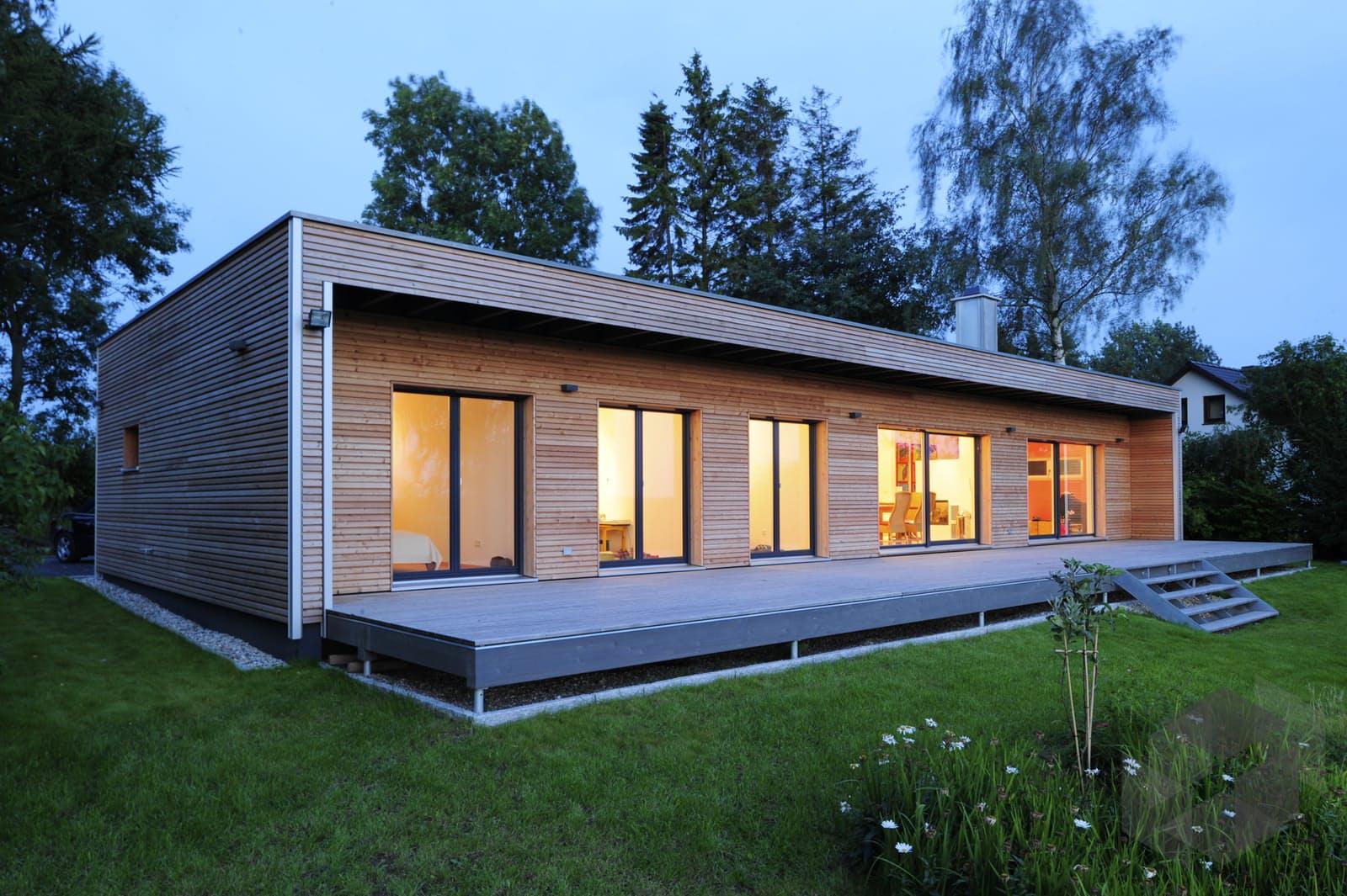 individuelle planung moderner bungalow von baufritz komplette daten bersicht. Black Bedroom Furniture Sets. Home Design Ideas