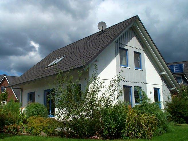 Julia (KfW-Effizienzhaus 40) von Dammann-Haus Außenansicht 1