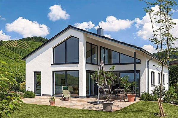 Massivhaus mit Satteldach von KBS-Bau