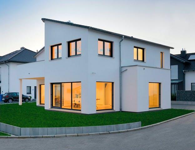 Fertighaus Weiss - Kundenhaus SCHÖNEBERG, Außenansicht
