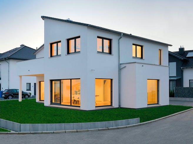 Haus Schöneberg von Fertighaus WEISS Außenansicht 1