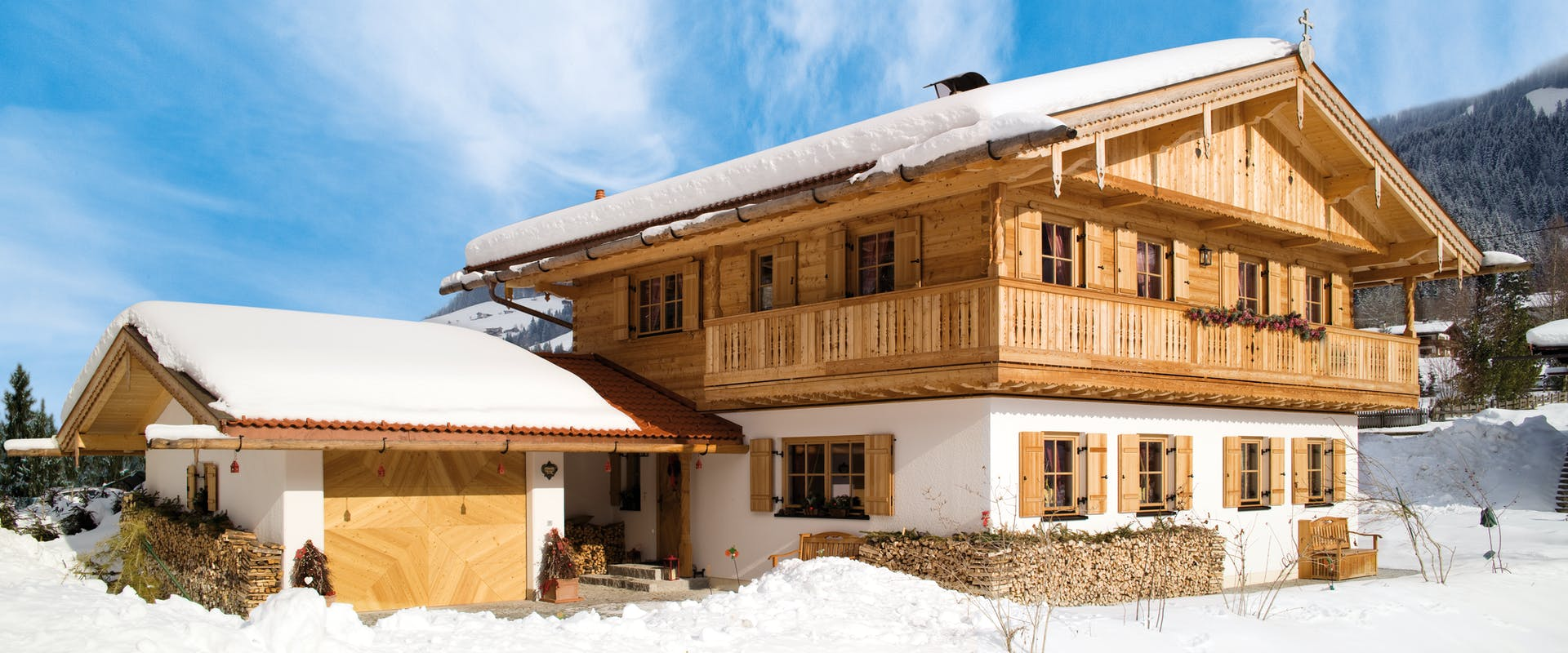 Fertighäuser im alpenländischen Baustil - Fertighaus.de Ratgeber