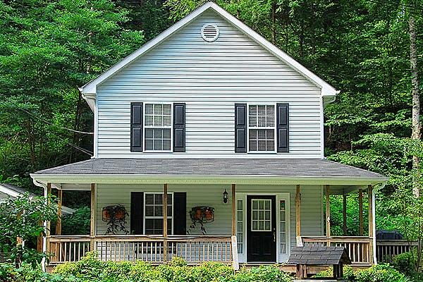 Haus mit Holzfassade von Korte Holzbau