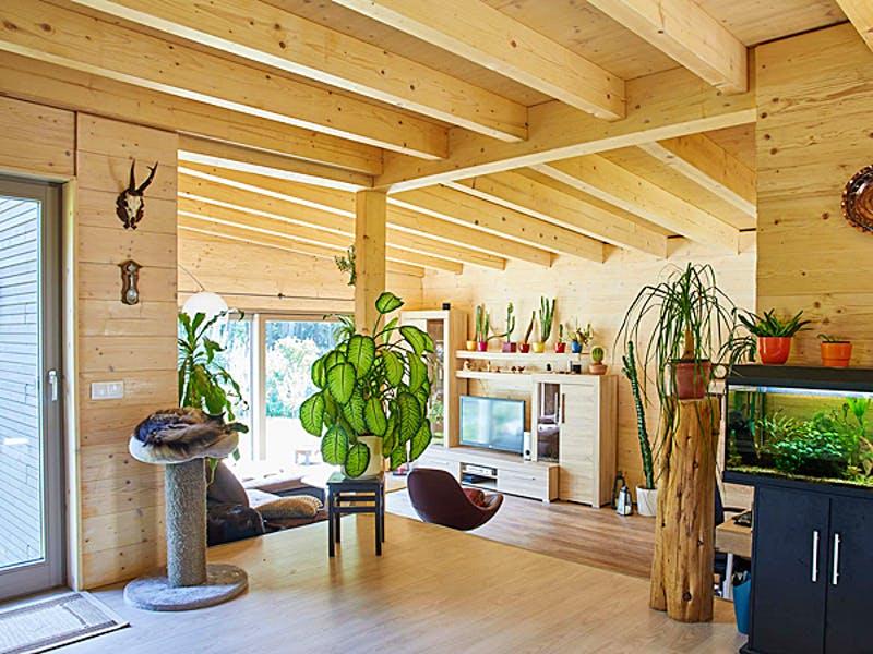 Wohnbereich mit viel Holz von der Kunze Zimmerei