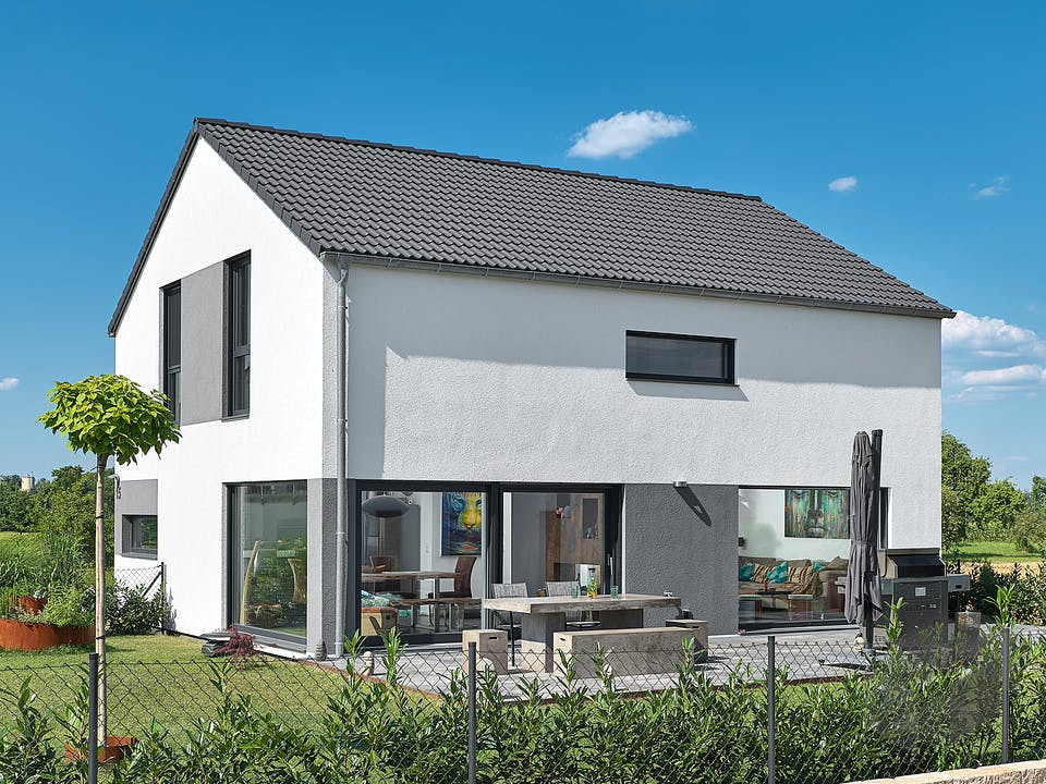 Satteldach Landhaus 126 von LUXHAUS Außenansicht